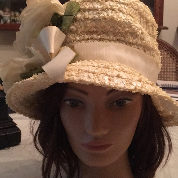 a1162d5908dff Vintage straw hat from Macy s with fake flowers